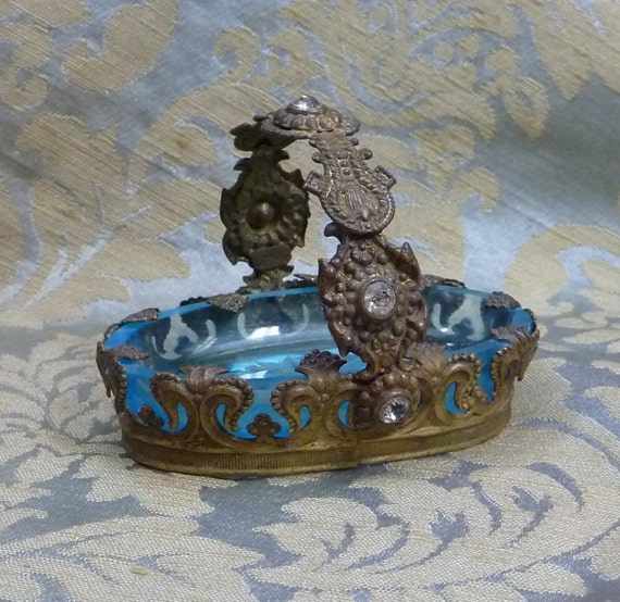 Vintage Jeweled Czechoslovakian Aqua Blue Glass Salt Dish Ring Holder Fleur de Lis Brass Basket