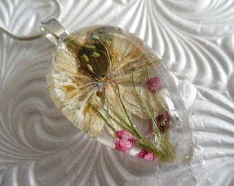 Ivory Love In The Mist,Pink Heather,Grasses Glass Teardrop Pressed Flower Pendant-Nature's Art-Symbolizes Love,Affection-Gifts Under 30