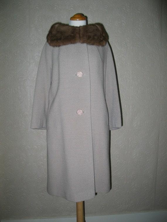 Vintage 50's oatmeal boucle wool coat with large mink portrait collar pristine vintage 42 bust