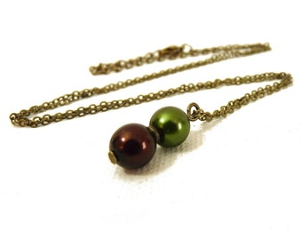Chocolate & Hunter Green Pearl Pendant - brass - brown and green