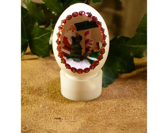 Little Elf's Offering To The North Pole – Handmade Christmas Diorama Egg Decoration – Elf Christmas Ornament
