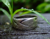 Men's wide nature textured silver wedding ring: Gentleman Leaf