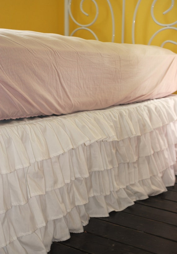 The icing on the cake to our Always Enchanting Beddy's set. The simpleness of this clean color makes this bed skirt the perfect option for teens and adults.