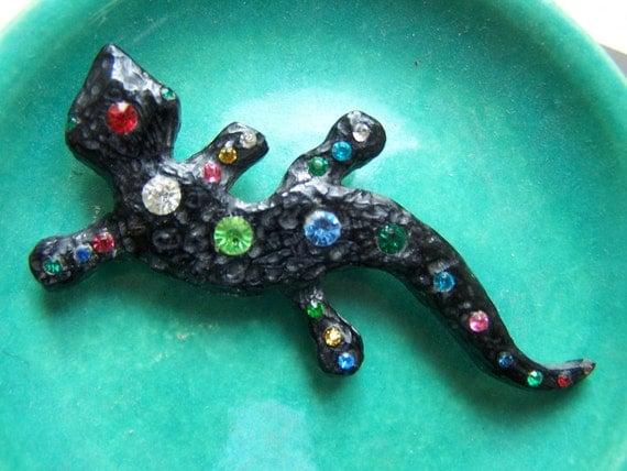 SALE Black Plastic lizard Brooch 1948 rhinestone salamander Lola Bakelite resin DECO