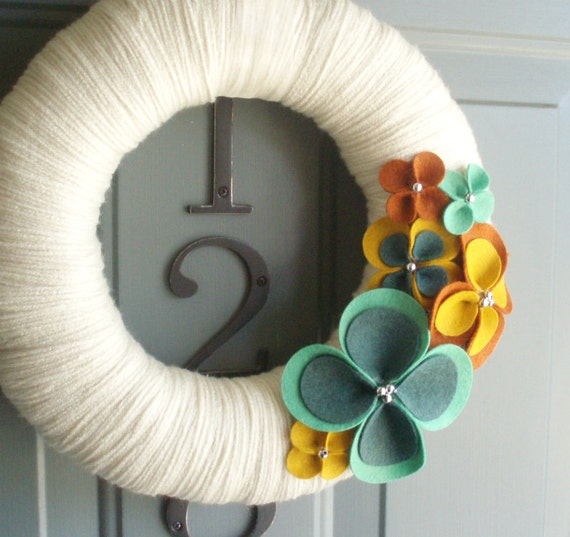 Handmade Decoration For Wall : Yarn wreath felt handmade door wall decoration warm up in