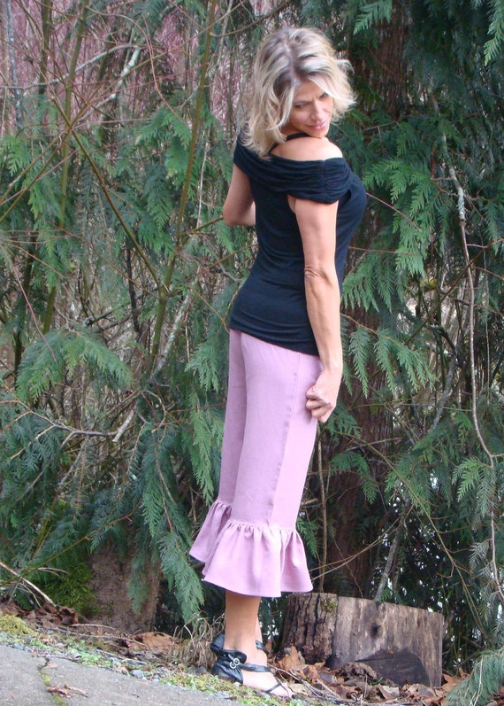 Sugar Plum women's linen ruffle capri pants