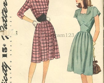 Vintage 1945 Daydress Square Scalloped Neckline and Sleeves or High Round Neckline...Pointed Midriff...Simplicity 1476 Bust 30 UNUSED