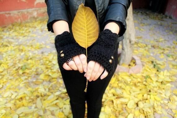 black gloves . fingerless gloves . black texting gloves . driving gloves . alpaca gloves . crochet gloves .winter gloves . black knit gloves