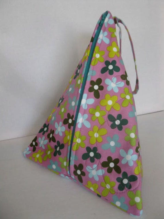 Knitting Bag Patterns Sewing : Items similar to craft knitting sewing triangle bag