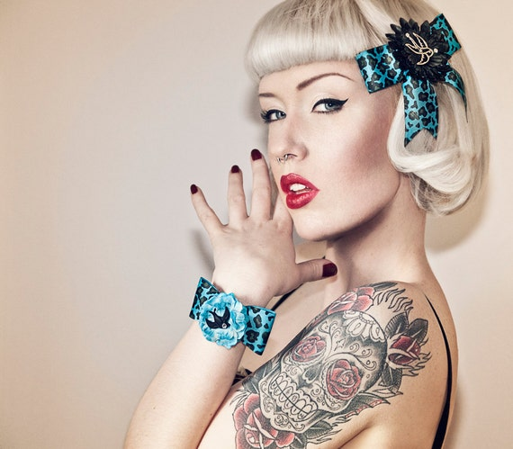 Psychobilly Silver Swallow & Black Daisy Leopard Hair Bow - Turquoise - Retro - 50s
