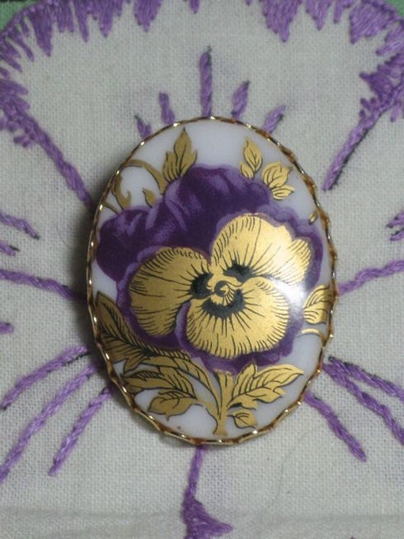 Porcelain Pansy Floral Brooch/Pin (B-3-4)