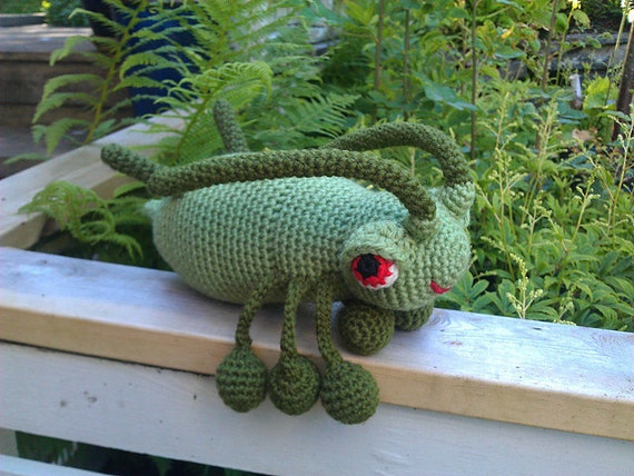 Great Big Aphid - crochet pattern PDF