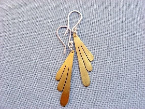 Brass leaf earrings - Sterling silver earwires - Art deco style