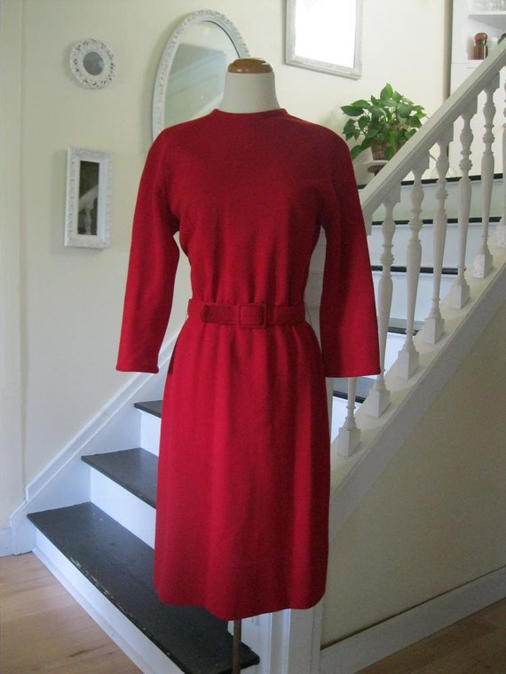 Vintage 60s red knit classic fit dress with matching belt(med-lg)