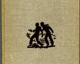 1954 Hardy Boys The Hooded Hawk Mystery Book