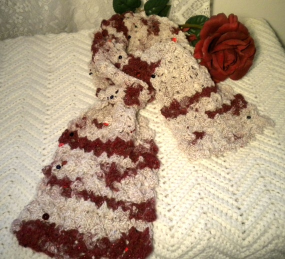 Crocheted ArtYarn Scarf Cashmere Antique Pattern in Wine Soft White