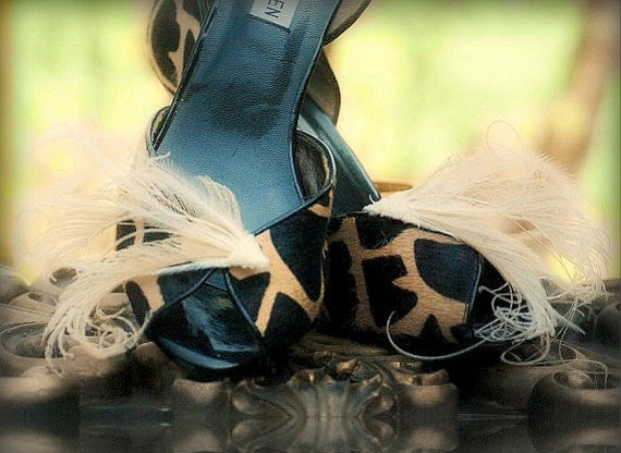 Wedding Shoe Clips Sword Peacock Ivory / Natural. Romantic Bride Bridal. Drama Queen Diva Engagement Shoe Clip Pins, Emerald Green Turquoise