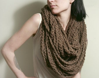 The Sawmill Infinity Chain in BARLEY/Taupe/Brown