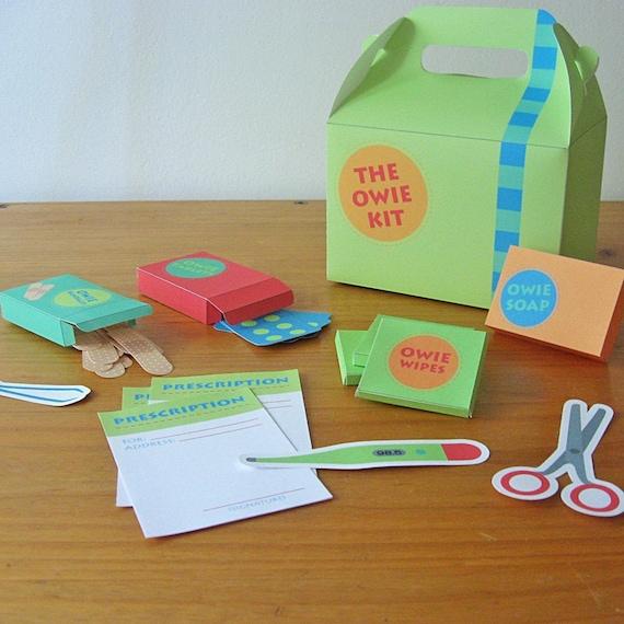 Printable first aid kit - PDF paper craft