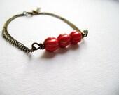 Delight - Red sprinkled gold dust antique bronze delicate friendship bracelet