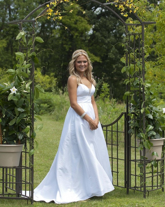 Wedding Dress Reese Style with Low Back