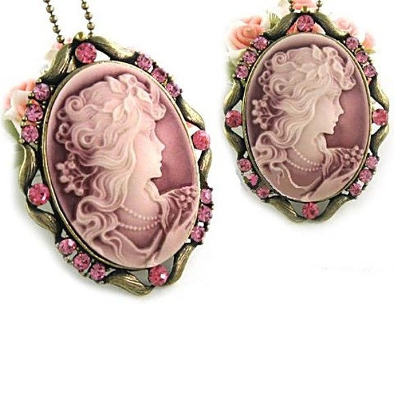 CLEARANCE-Roaring 1920's Victorian Cameo-Necklace  R9853