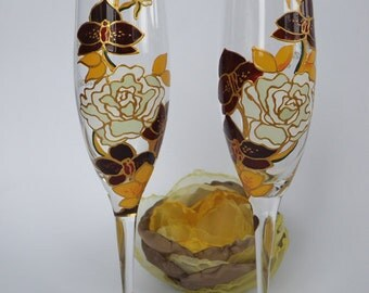 Hand painted Wedding Toasting Flutes, Personalized Champagne glasses Royal purple and yellow