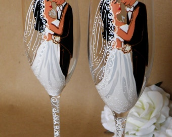 Hand painted Wedding Toasting Flutes Set of 2 Personalized Champagne glasses Groom and Bride with long white veil