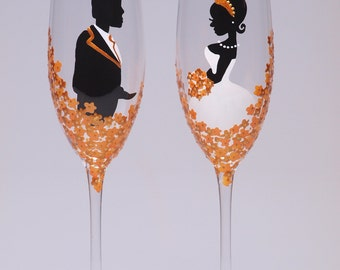 Hand painted Wedding Toasting Flutes Set of 2 Personalized Champagne glasses Groom and Bride Wedding golden yellow flowers