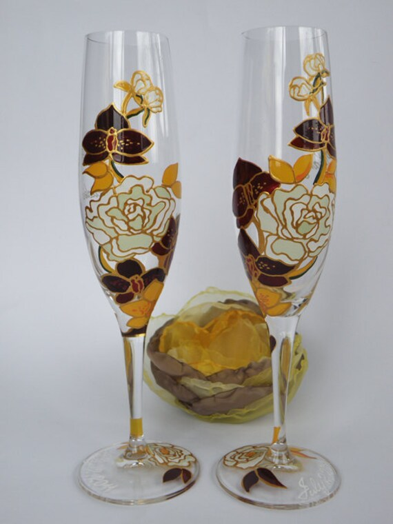 hand painted wedding toasting flutes personalized champagne glasses