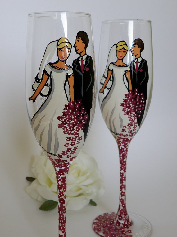 Hand painted Wedding Toasting Flutes Set of 2 Personalized Champagne glasses Groom and Bride violet , purple flowers