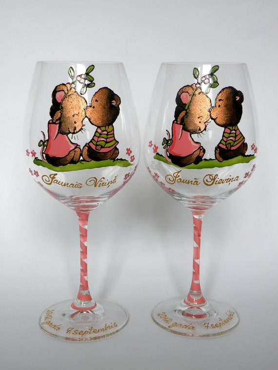 Hand painted Set of 2 wine glasses  Personalized wedding or anniversary gift Sweet Mouse and Bear