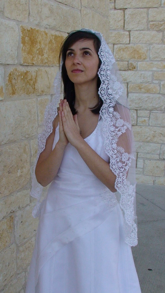 Wedding Lace Veil with exclusive  Beaded Lace on the edge, Communion veil  in White, ivory, or Champagne