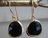 black faceted drop earrings ( in gold or silver )