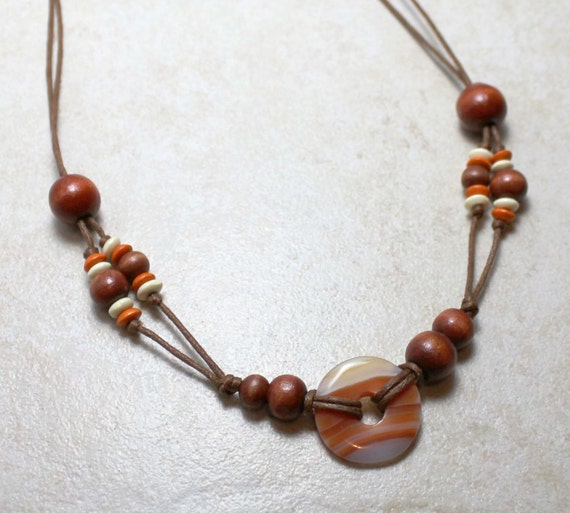 Nursing Necklace with Soothing Agate and Wood Breastfeeding Baby Wearing