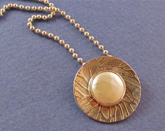 Etched sterling silver pendant necklace with coin pearl