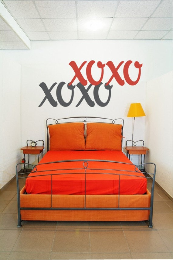 Love Wall Decal, XOXO Wall Decal, Hugs Kisses Decal, Valentines Day Wall Decor, Wedding Decoration, Love Wall Decor, Hugs and Kisses Decal