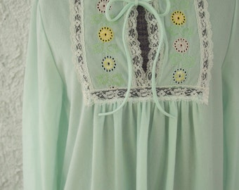 Vintage 1970s Embroidered Eyelets Floral Long Sleeve Nightie - Lorraine - Medium