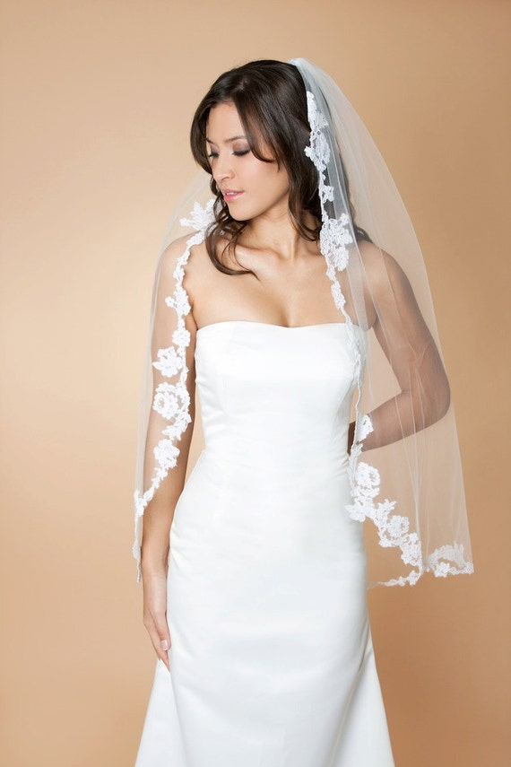 Perla -  Fingertip Length Single Tier Veil Edged With Alencon Lace Appliques, 223