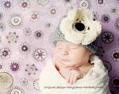 HAT with Flower in Gray Cream - Photography Newborns - Handmade by MaryYarns
