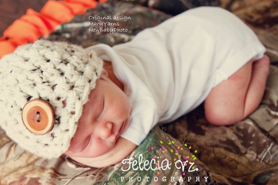 Beanie Button Hat Newborn Photo prop in Oatmeal - Photography Baby wood button Hat
