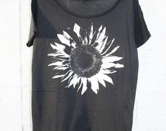Flower Tshirt -  Sunflower - Women - BOHO - Organic Cotton - Nature - In Small, Medium, Large and Extra Large