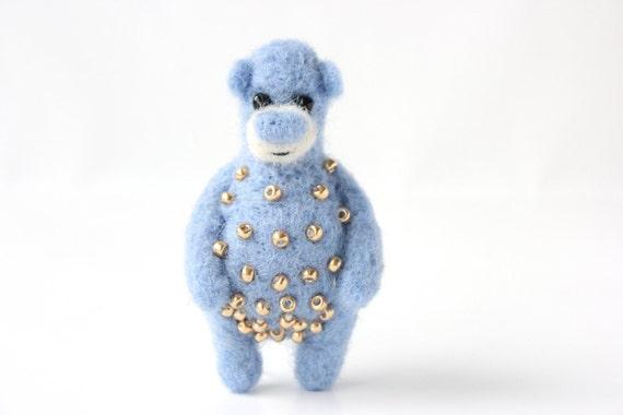 Light blue bear with golden beads, brooch 58
