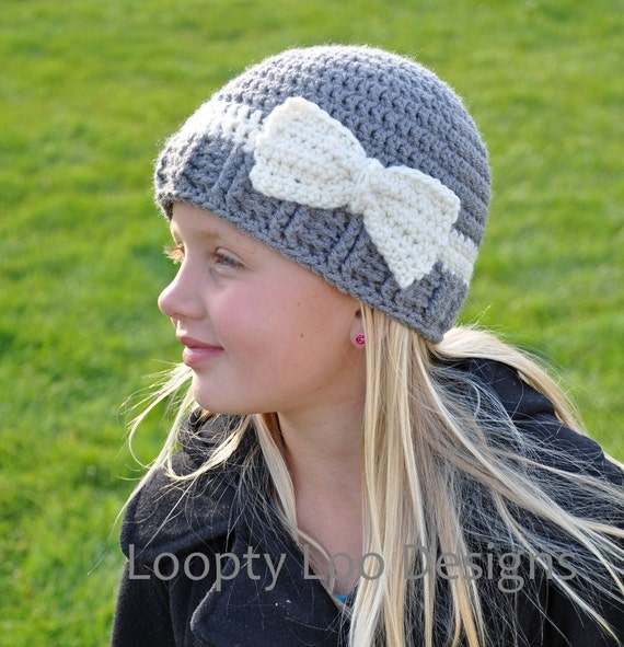 Crochet Baby Hat Pattern With Bow : Crochet Hat with Bow Photo Prop Baby Girl by LooptyLooDesigns