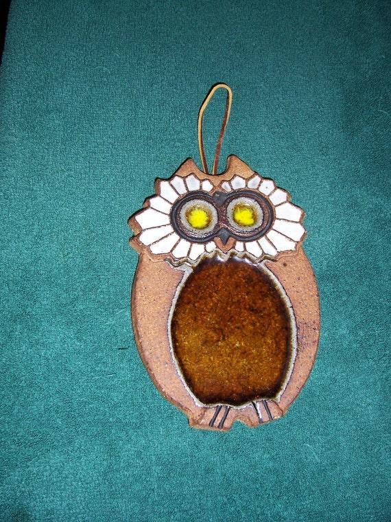 1970s Stoneware Owl spoon rest trivet