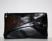 HALSTON Vintage Handbag Large Clutch Black Leather Snakeskin - AUTHENTIC -