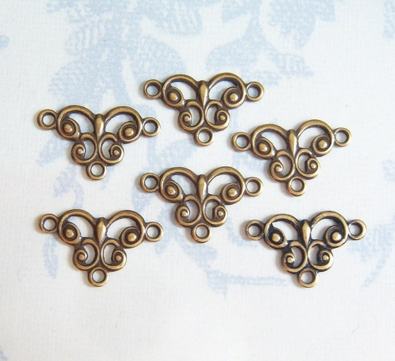 Antiqued brass tiny open work connector, lot of (6) GW150