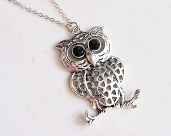 Lucky Owl Necklace (N157) in vintage silver color