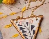 Triangle Necklace, Golden Triangles, Floral, Geometric Pendants, Geometry Necklaces, Nature Jewelry, Art Deco, Golden, Géométrie, Blumen 三角形
