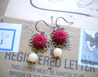 Flower Earrings Ivory Glass Earrings Burgundy Earrings Flower Dangle Earrings Vintage Style Burgundy Jewelry Flower Jewelry Romantic Earring